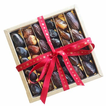 Six Exceptional Dates Gift